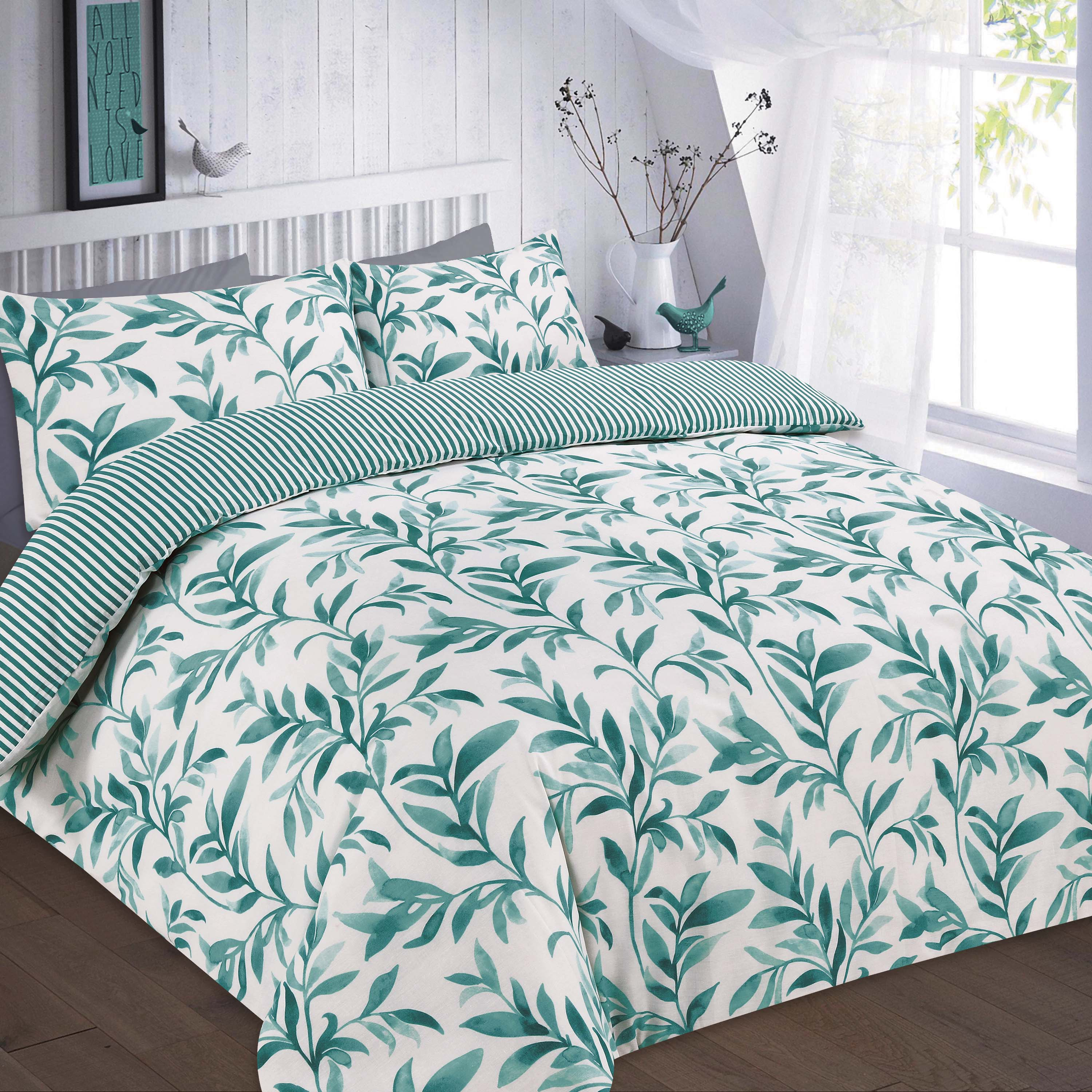 ellie floral reversible duvet cover set wholesale bedding store de lavish. Black Bedroom Furniture Sets. Home Design Ideas