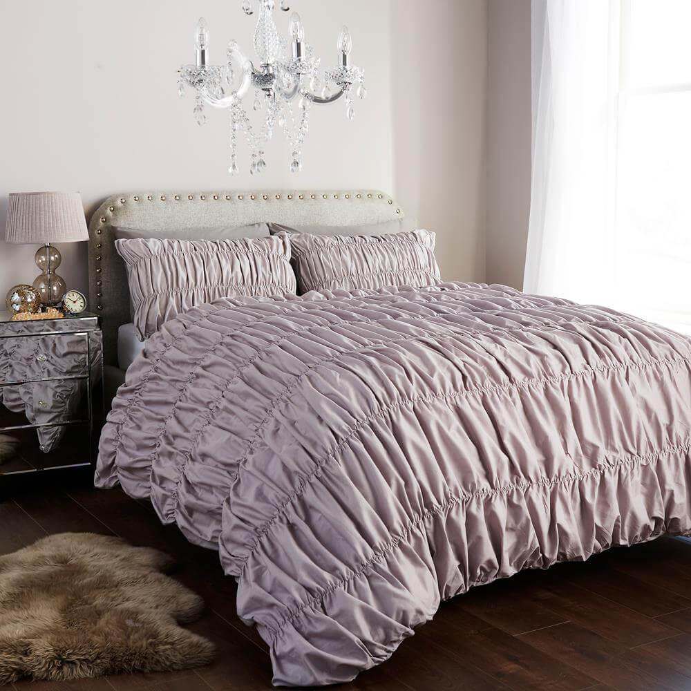 Ruched Duvet Cover Set With Pillowcases De Lavish